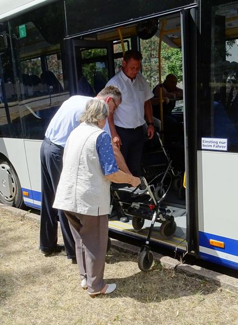 Busschule für Senioren